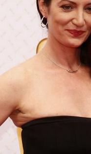 Natalie Wörner: Negatives Beispiel für zu enge Kleidung bei schlaffer Haut